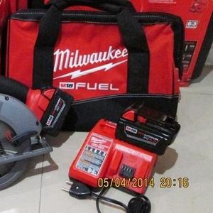 Акумуляторний інструмент  Milwaukee