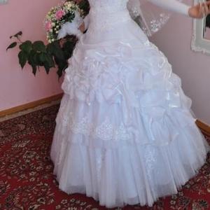 Продается сукня весільна із салону, біла